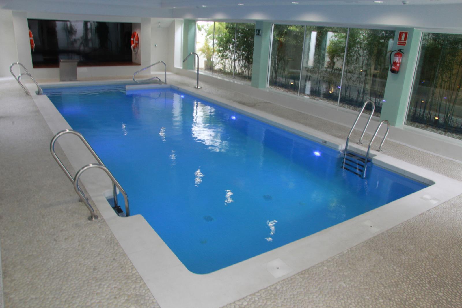 Servicios del mar hotel spa web oficial servicios 3 for Piscina interior